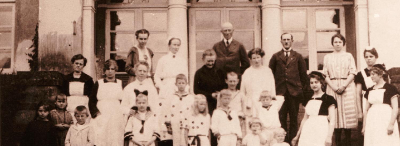 Gutshaus Volzrade Vordertreppe historisch Familie von Pentz