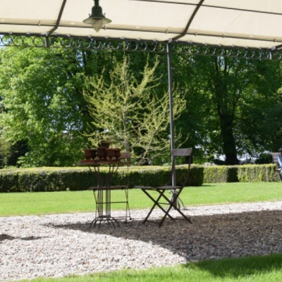 Gutshaus Volzrade Pergola Garten